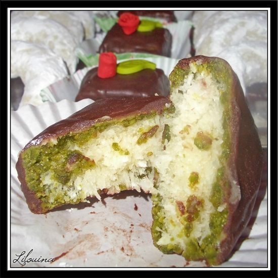 """Makrout coco pistache (façon makrout elouz), glaçage """"brownie fudge"""" au chocolat wilton 76231372.jpg"""