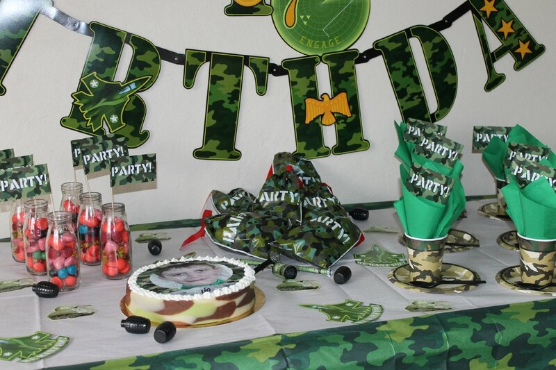 Table anniversaire gar on th me militaire mes p 39 tits biscuits gourmands et autres d lices - Theme anniversaire garcon ...
