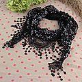 <b>Etole</b> dentelle noire foulard