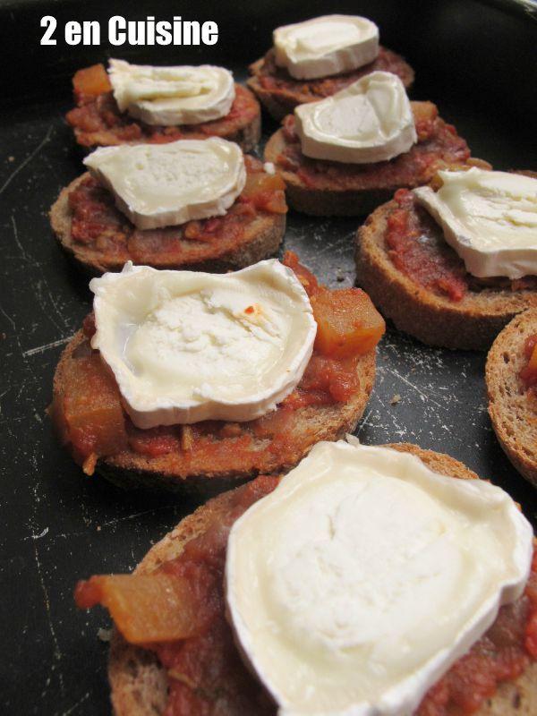 Tartine d 39 oignons doux au ch vre blogs de cuisine for En cuisine qu est ce qu une girolles