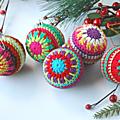 <b>Boules</b> de <b>Noël</b> au crochet