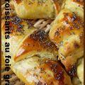 <b>Croissants</b> au foie gras et chutney de figues