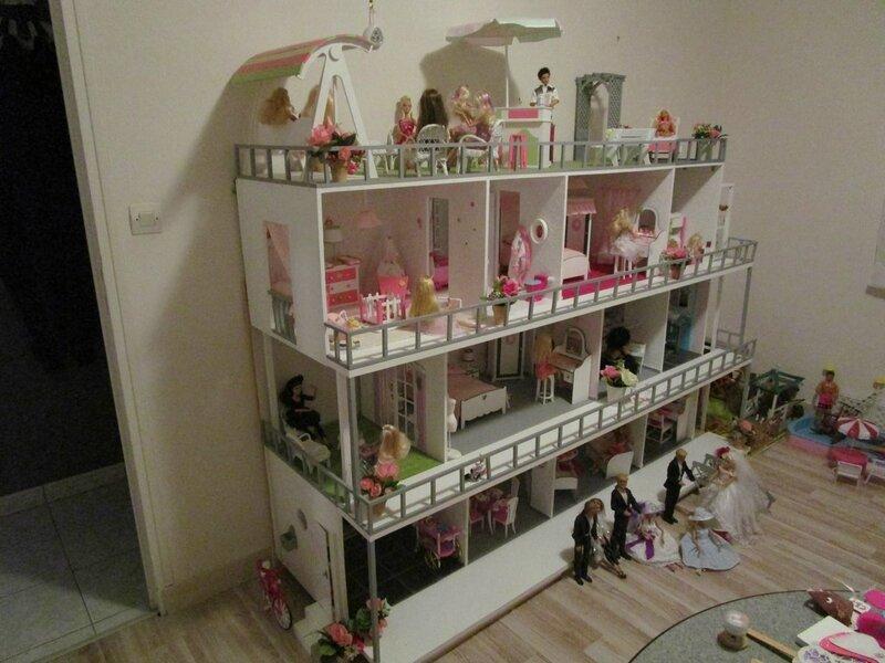 construction de maisons de poupée Barbie # Fabriquer Une Maison De Barbie En Bois