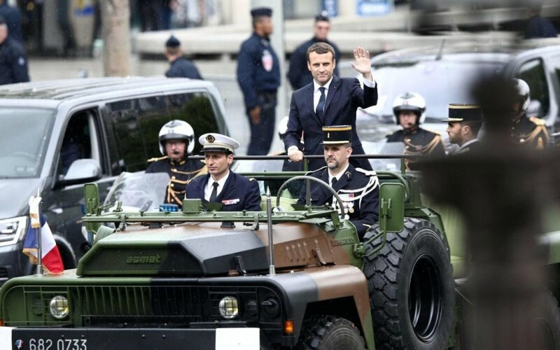 Macron intronisation 140517