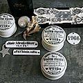 Anciennes boites d'apothicaire en porcelaine blanche. Dentifrice