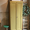 Armoire ancienne moutarde