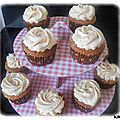 Cupcakes au <b>caramel</b> & glaçage chantilly <b>caramel</b> <b>beurre</b> <b>salé</b>