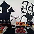 Quand les enfants préparent un <b>goûter</b> d'Halloween façon Tim Burton