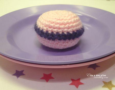 anneloiseau_crochet_macaron_roseviolette