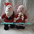 Vive les cadeaux avec le Père <b>Noël</b> et la Mère <b>Noël</b> au tricot !
