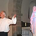 Patrice Martineau chante pour la Vierge Marie à la Grainetière