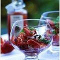 Verrine de cabillaud, fraises basiilic et poivrons.....Idéale par grosses chaleurs...
