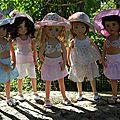Les <b>Little</b> <b>Darling</b> sont prêtes pour partir en vacances au soleil....