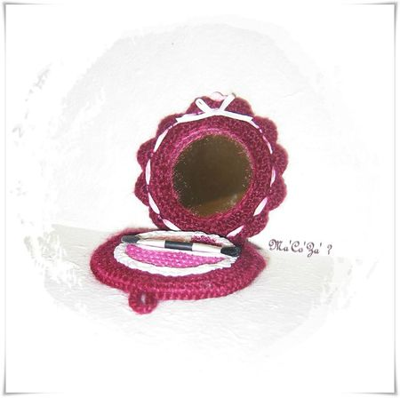 Miroir make up au crochet