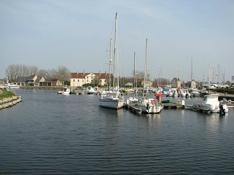 800px-Carentan_port_de_plaisance