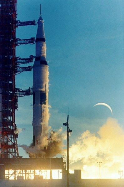 Appolo8_launch-gr2224