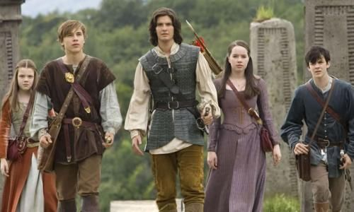 Georgie Henley, William Moseley, Ben Barnes, Anna Popplewell et Skandar Keynes