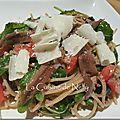 Salade de Spaghetti, Roquette, Tomates, Thon, <b>Anchois</b>, Olives noires, Parmesan