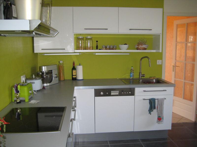 Chez axl80 une 2eme chambre de petit mec page 2 for Cuisine peinte en vert