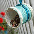 Une mangeoire à oiseaux en <b>boîte</b> de <b>conserve</b>! - EDIT du 17.10.2014