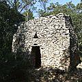 Quelques capitelles ( cabanes ) à Congénies et alentours immédiats