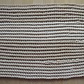 Tapis de <b>corde</b> bicolore au crochet