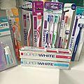 SuperWhite et sa gamme de <b>brosses</b> <b>à</b> <b>dents</b> ...
