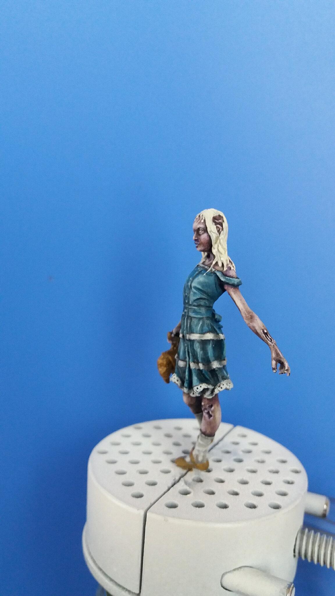 zombie girl - knight models FINIE 109550137_o