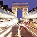 Illuminations des <b>Champs</b>-<b>Élysées</b> : les enfants entrent dans une autre dimension