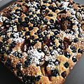Biscuit moelleux aux mûres et figues de saison