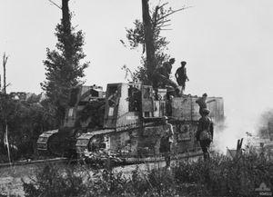 Gun_Carrier_Miraumont_August_1918_AWM_H04522