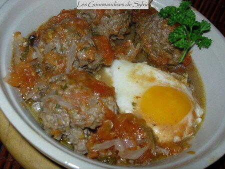 tajine de kefta l 39 oeuf recette par les gourmandises de sylvie ptitchef. Black Bedroom Furniture Sets. Home Design Ideas