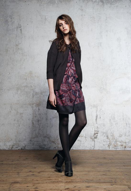 Robe noire quelles chaussures - Quelles chaussures avec une combinaison noire ...