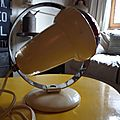 Lampe/spot....<b>philips</b>...Design: Charlotte Perriand......anne 60....pour les amoureux du vintage....authentique