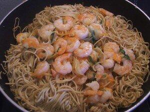 recettes entrees  Soupe aux nouilles chinoises, légumes et crevettes