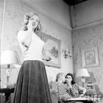 MM_and_Webb_On_Set_Sitting_Pretty