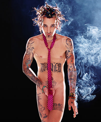 tommy_lee_by_lachapelle-2000-interview-shooting-010-1