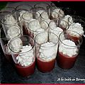 <b>VERRINE</b> GELEE DE TOMATE CHANTILLY DE FETA