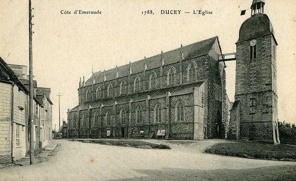 800px_Eglise_de_Ducey_vers_1905