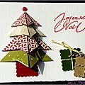 Un sapin en origami ... des cadeaux ... une carte de voeux traditionnelle et originale !