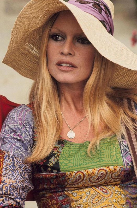 bb-theme-chapeau-1970-photo-013-1