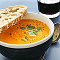 Soupe de <b>courge</b> patidou à la fève tonka