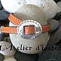 Comme un cow boy ou une cow girl au far west, ce bracelet mixte peut être décliné dans un autre cuir cousu que orange !
