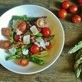 Salade tiède d'asperge aux tomates cerises, lardons et <b>Parmesan</b>