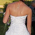 Bijou de dos <b>mariage</b> : pendentif de dos original et long sur une mariée