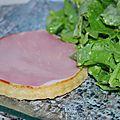 tarte au <b>parmesan</b> et sa salade