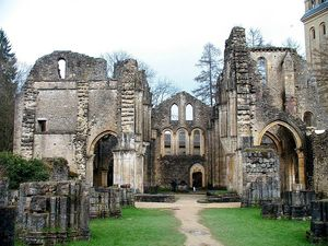 800px-BE-LX-Orval_Abbaye_abbatiale_14