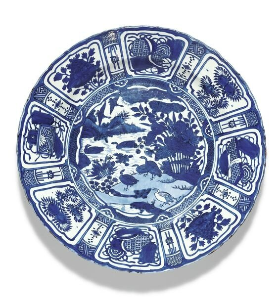 A large blue and white 'Kraak' dish, Ming dynasty, Wanli period (1573-1620)
