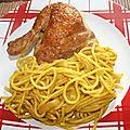Poulet fumé maison et spaghetti au <b>curry</b>