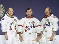 Apollo_16_crew_portrait28